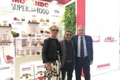 Allo stand Morando da sinistra la d.ssa Silvia Faverzani, il sig. Giuseppe Vilardo e il dr. Maurizio Cruciani, Direttore Generale.