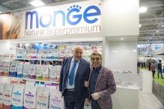 Il sig. Giuseppe Vilardo insieme al Cav. Baldassare Monge, fondatore dell'omonima azienda.